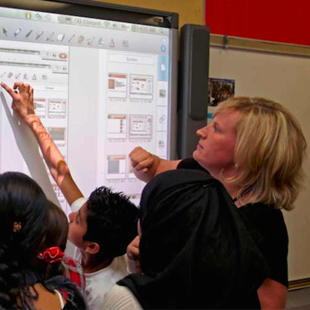 Integrating Technology in the K-12 Classroom