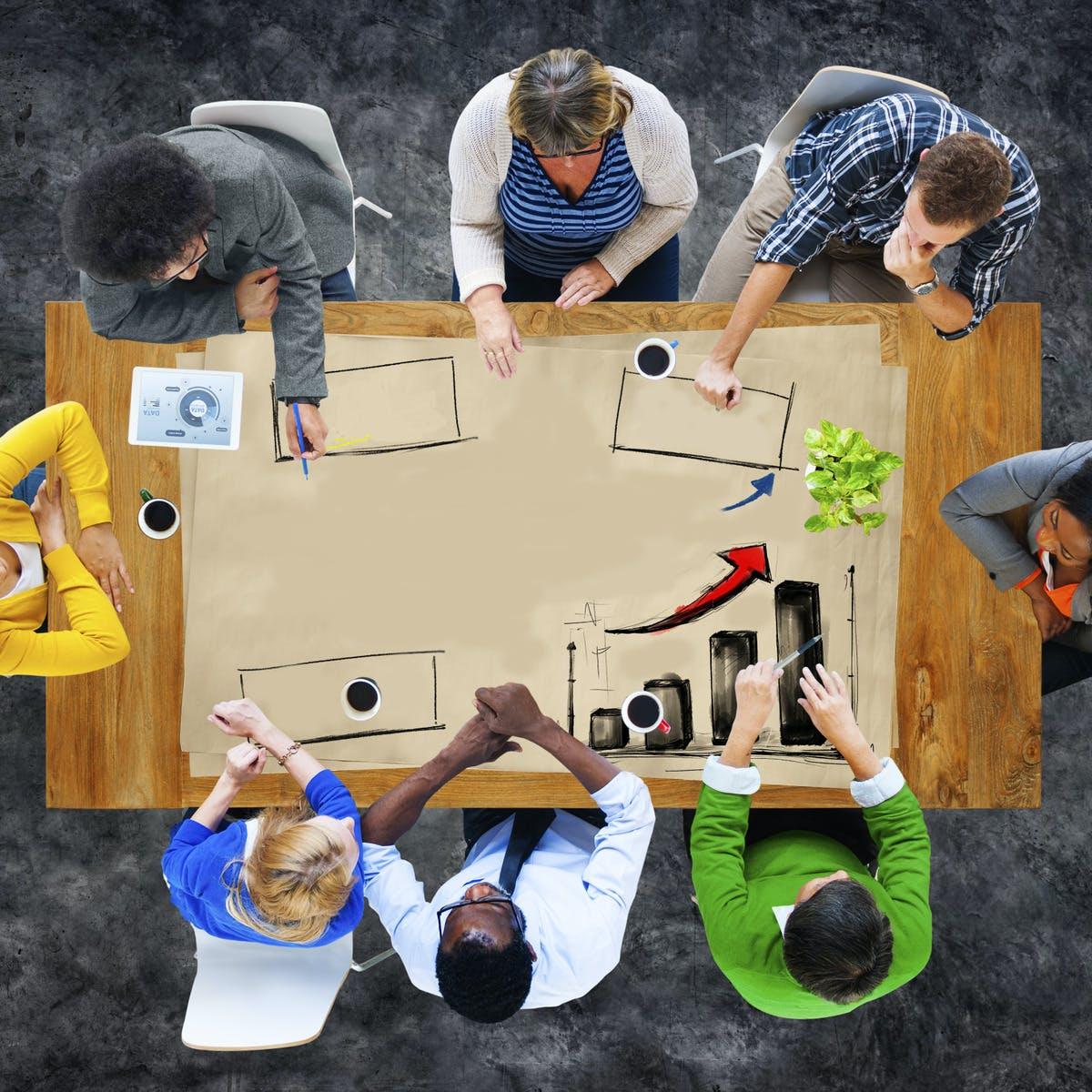 As funções e responsabilidades dos conselhos diretores de organizações semfins lucrativos dentro do processo de governança