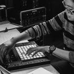 Electronic Music Performance Techniques