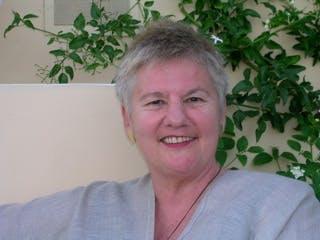 Dr Linda Kaser