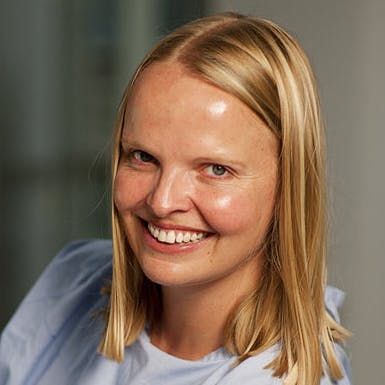Dr Caroline Ford