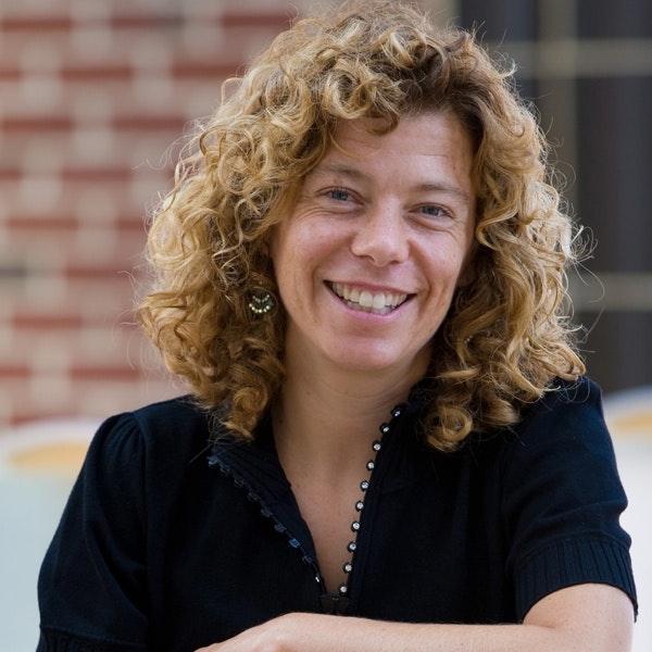 Dr.  Karin Yeatts