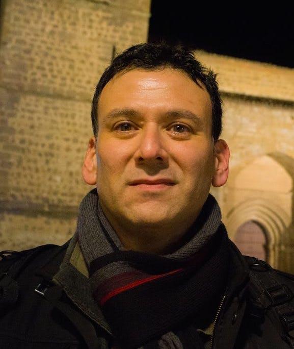 Dr. Roger Louis Martínez-Dávila