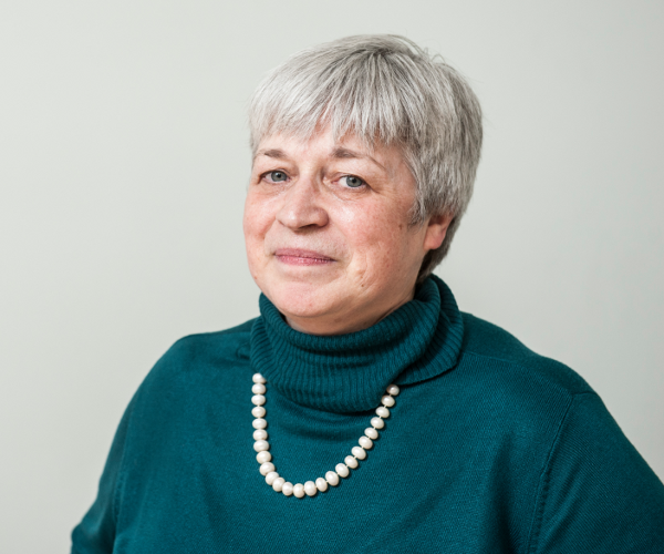 Dr Alison Morrison-Low