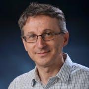 Dr. Dragan Maksimovic