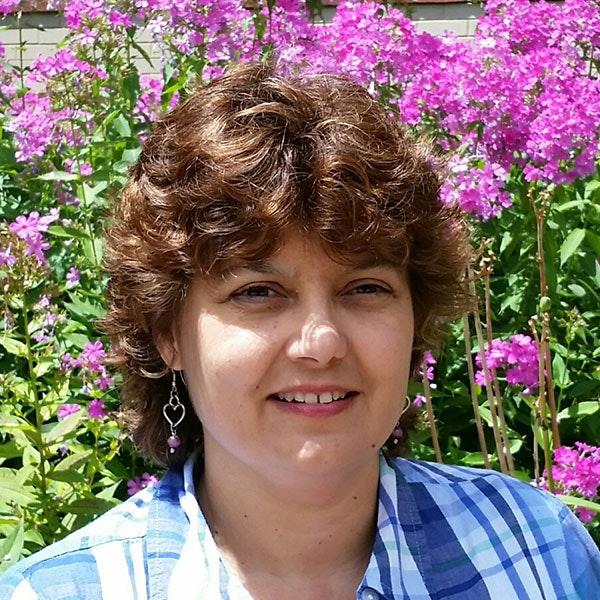 Dr. Lisa Holden