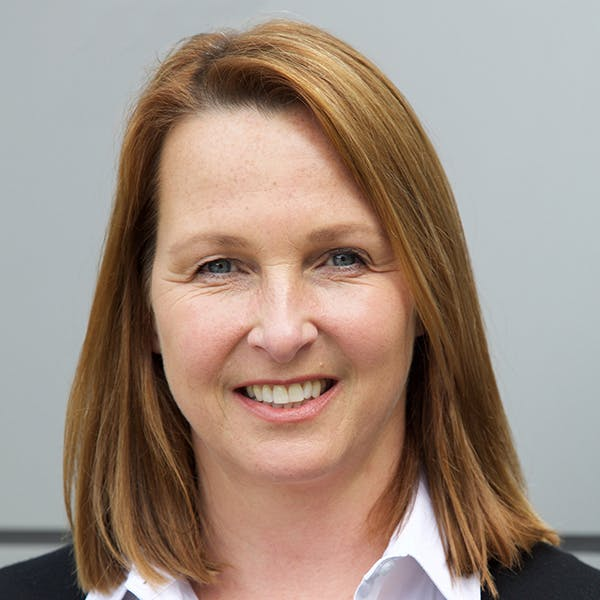 Dr Lesley Halliday