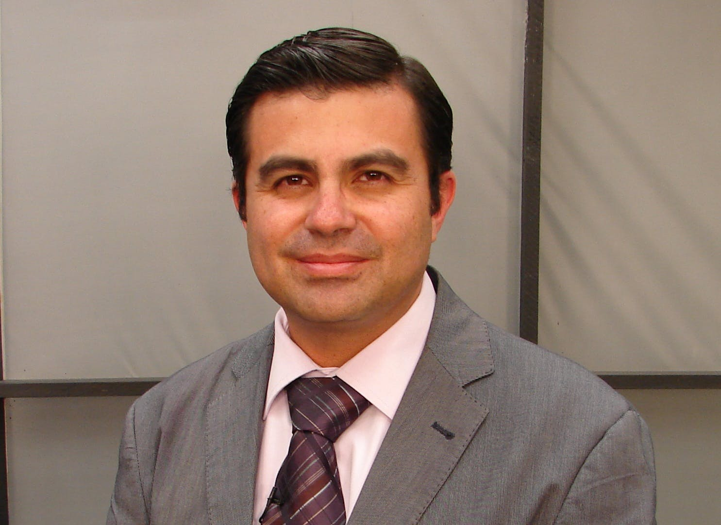 Dr. Fernando  Sandoval Arzaga