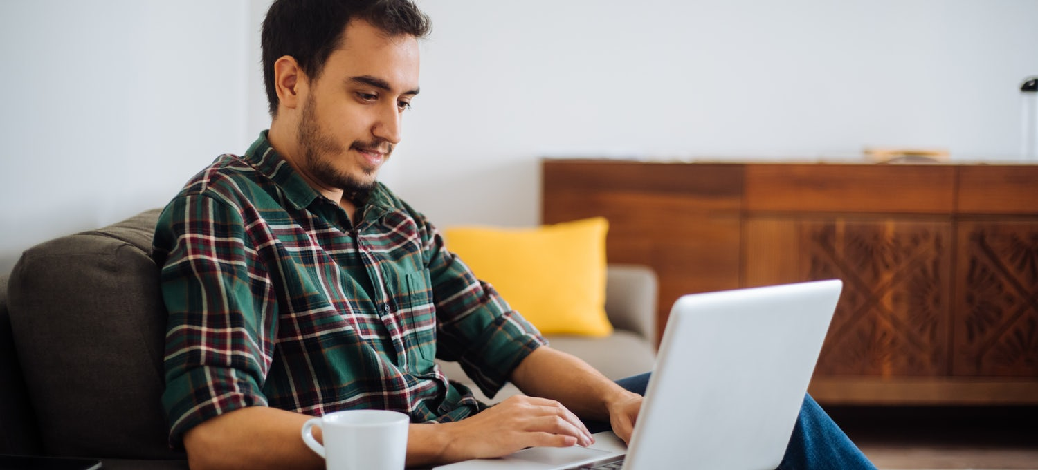 Man searches for IT job from home