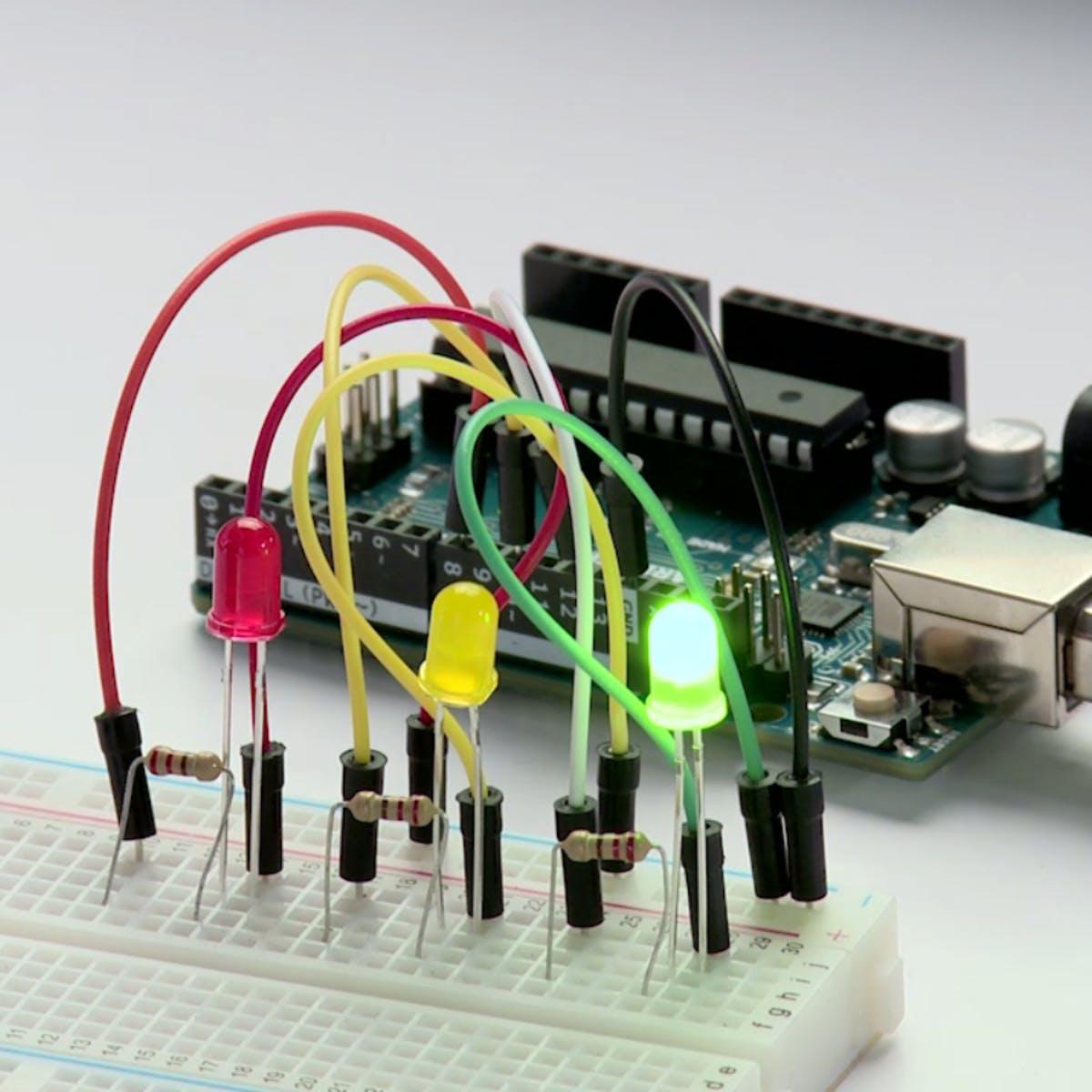 Строим роботов и другие устройства на Arduino. От светофора до 3D-принтера