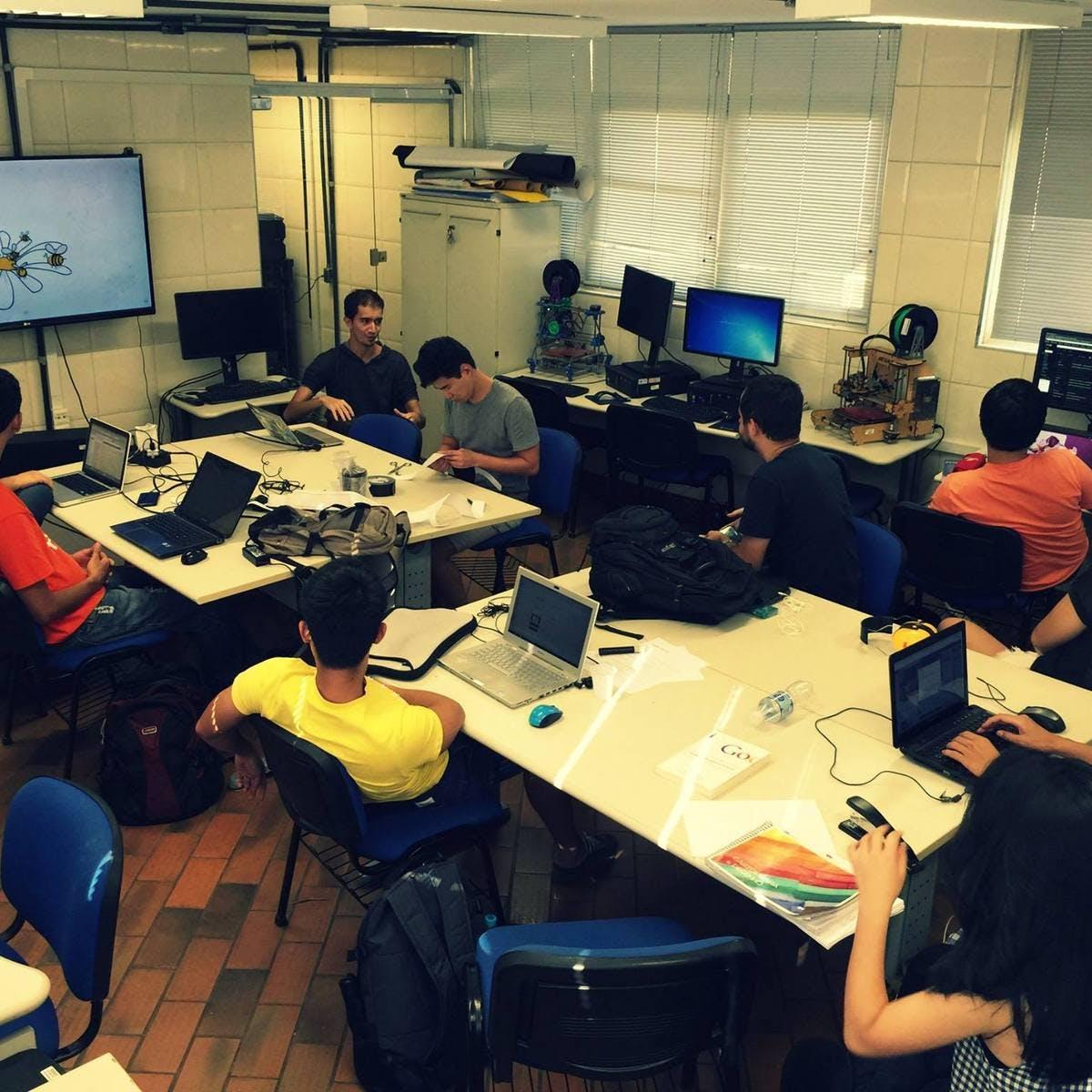 Criação de Startups: Como desenvolver negócios inovadores